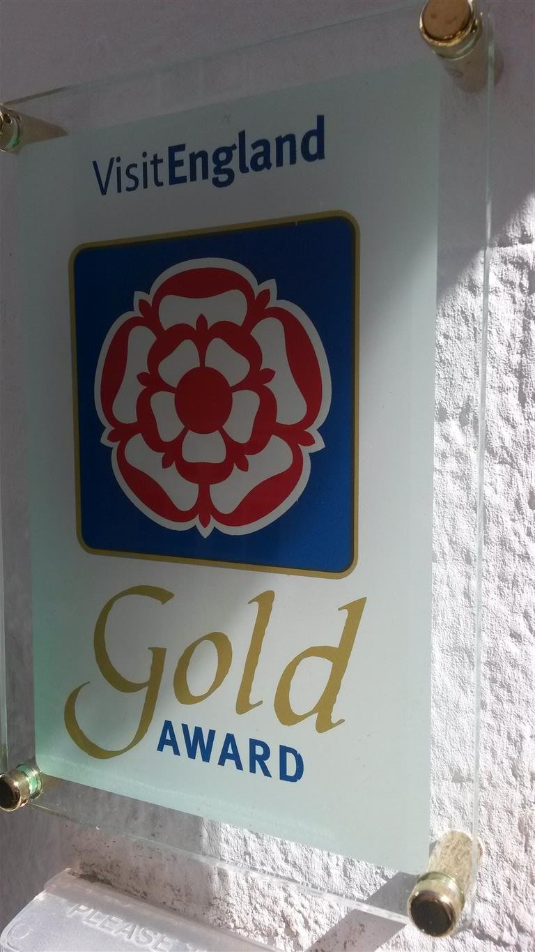 Proudly disoplayings it's Gold Award ....The (G)Old Bakehouse